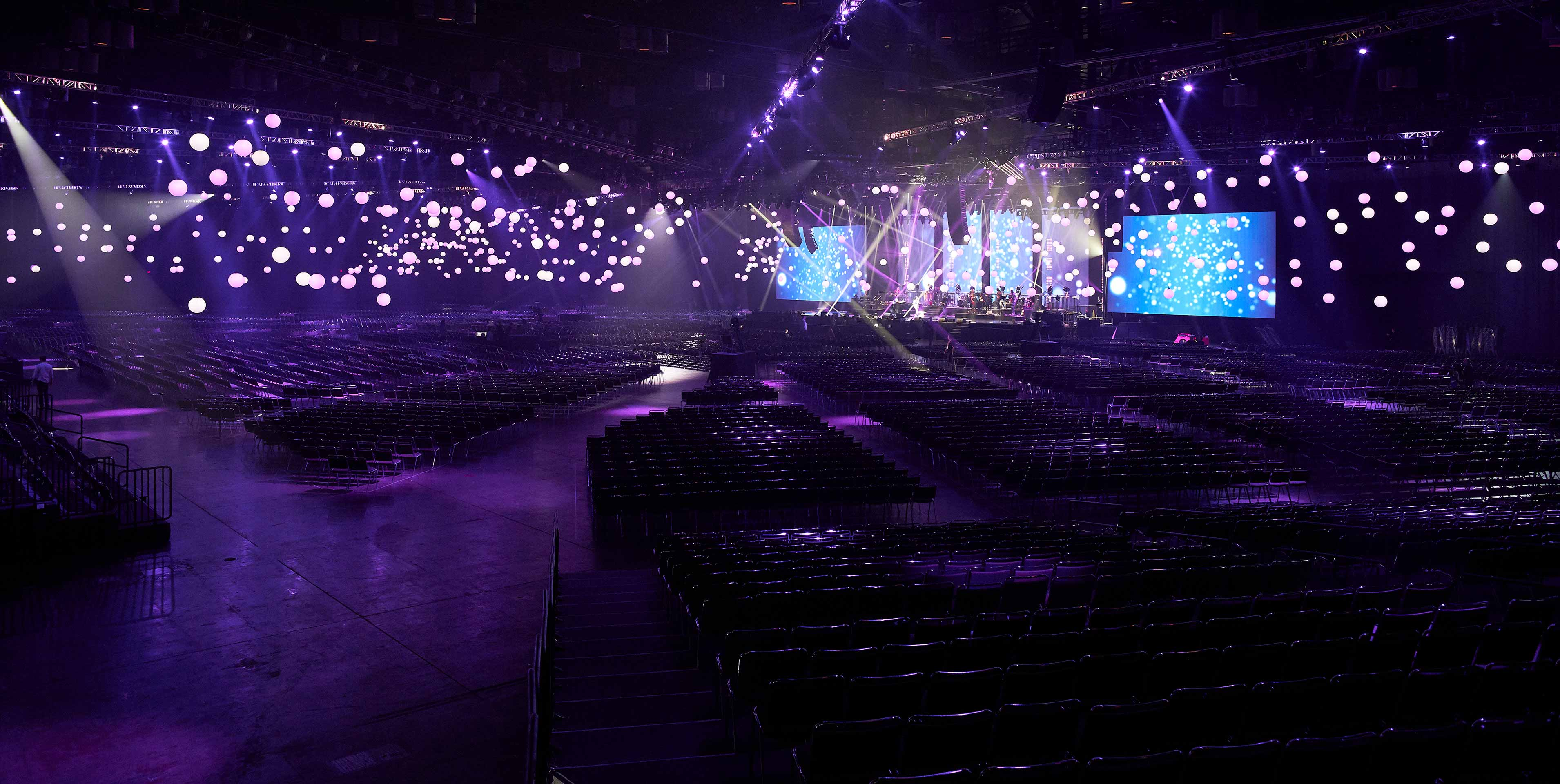 The magnificent set for the closing concert of McDonald's 2018 Worldwide Convention